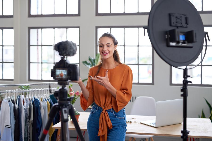 Influencer creating online content